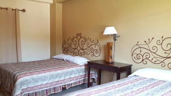 Hotel Molina Resort: habitación doble con camas queens