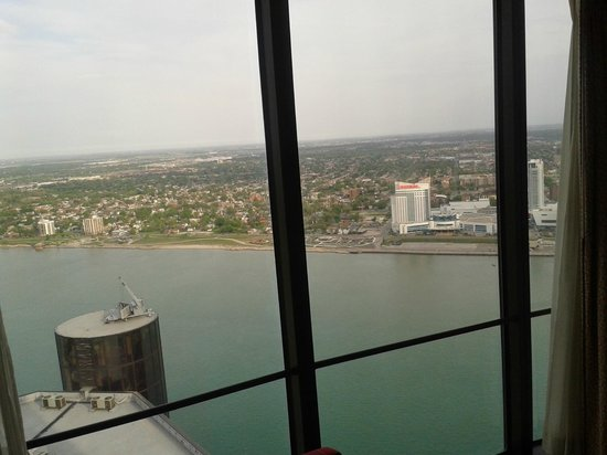 Detroit Marriott at the Renaissance Center: From room - river & Canada