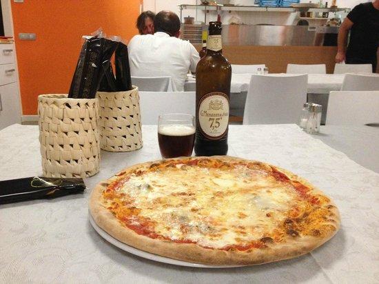 Ostello Del Pittore : Ottimo cibo e ottima birra!