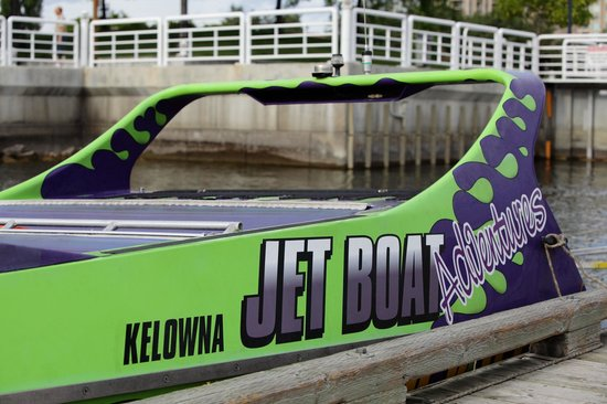 Kelowna Jet Boat Adventures: the boat