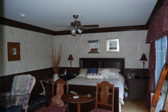 Au NIDaigle: Our Room