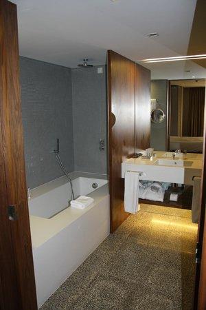 Altis Prime: salle de bain