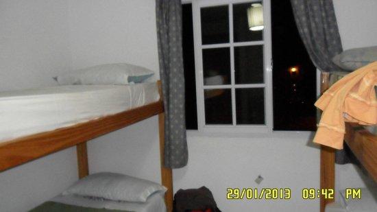 Hostel Ladera Norte: mi habitación 1º p. vista a la calle