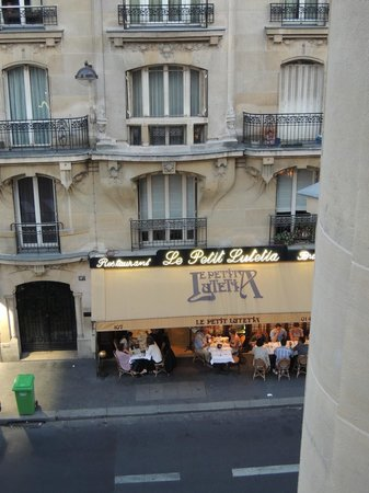 Hotel Vaneau Saint Germain: View from Room