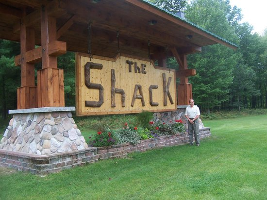 The Shack Bed and Breakfast: Our Ohio guest poses at the entrance