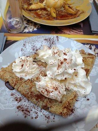 L'Insolite: crêpe chocolat glace vanille chantilly
