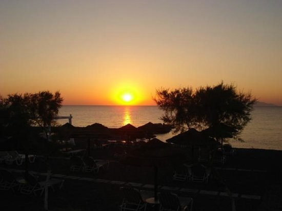 Mediterranean Beach Resort: sunrise