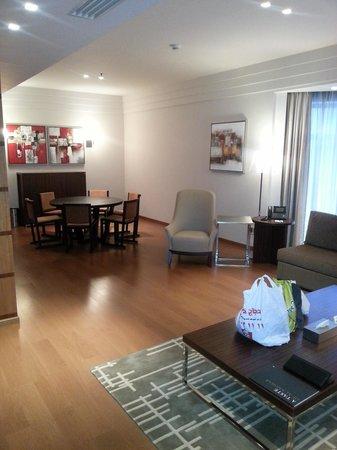 InterContinental Al Khobar : Tower Suite Living Room