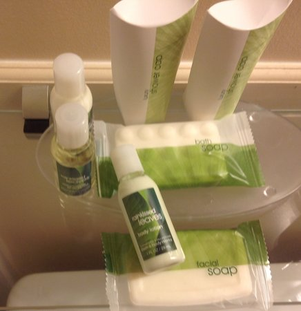 Best Western Plus Mirage Hotel & Resort: Nice toiletries