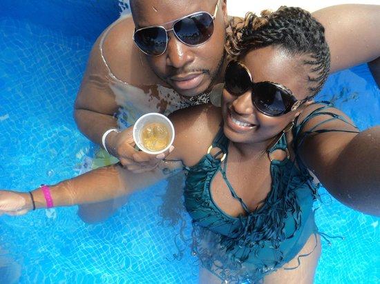 Luxury Bahia Principe Esmeralda Don Pablo Collection: at bar in pool