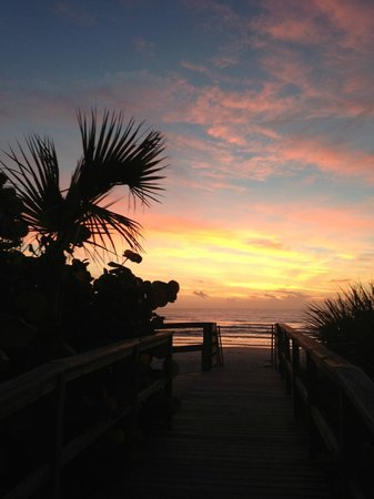 Coconut Palms Beach Resort 1: Sunset at New Smyrna Beach