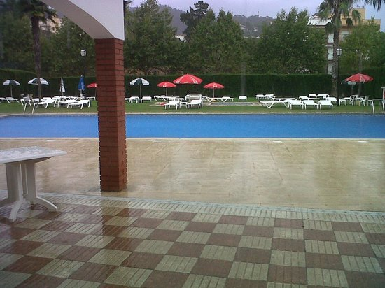 Hotel Marina Tossa: La piscina