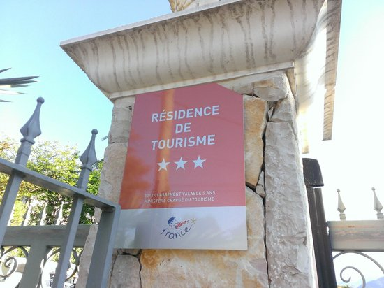 Lou Castelet Restaurant Residence Hoteliere: info shield