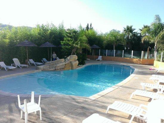 Lou Castelet Restaurant Residence Hoteliere : pool