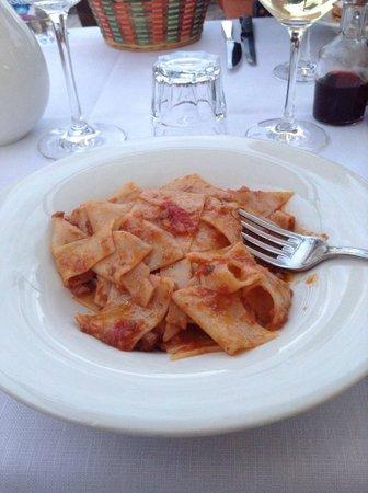 Agriturismo Niccolai - Palagetto di sotto: Pasta with local hare red sauce- delizioso!