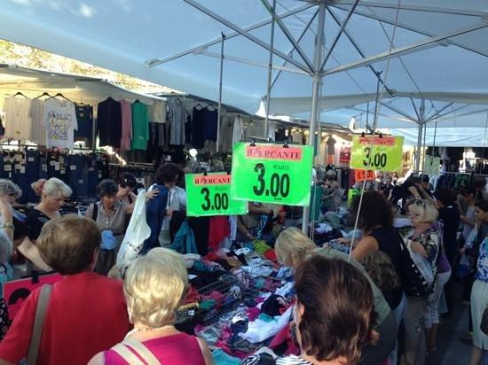 Mercato Cittadino di Rimini : 3 euro ladies