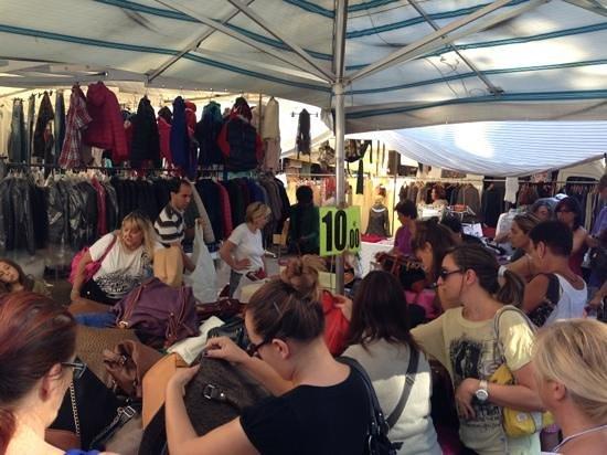 Mercato Cittadino di Rimini : 10 eur bags rush