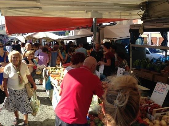 Mercato Cittadino di Rimini : fruits & vegetables