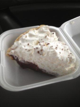 Noisy Goose Cafe: Chocolate Pie...