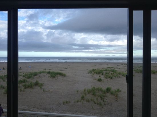 Ebb Tide Oceanfront Inn: this was our view from our room