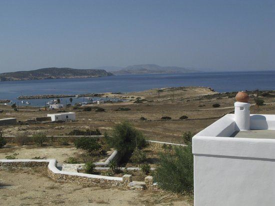 Iliovasilema Studios: View of Parianos port and Kato koufonisi from Iliovasilema stds