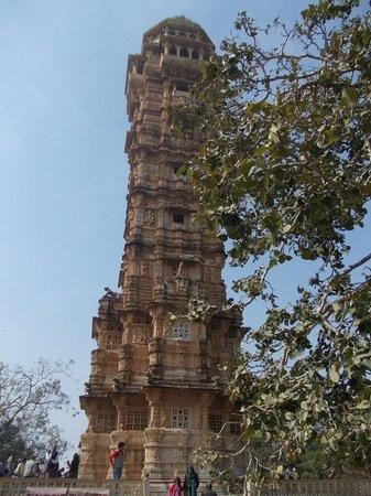 Vijay Stambha : La torre immersa nella natura!