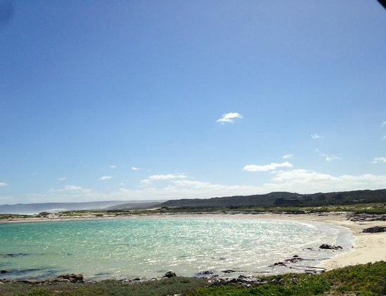 Agulhas Rest Camp: One of the lagoons ideal for swimming near the cottage