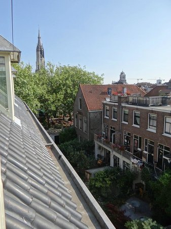 Hotel de Plataan : Roof top view towards the front of the hotel