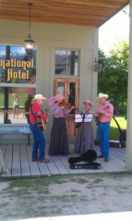 Fort Steele Heritage Town : Local band playing at Fort Steele July 2013