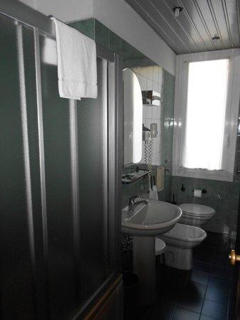 Hotel Delle Nazioni: Bagno