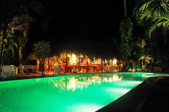 Hotel La Tortuga: Piscina/ristorante