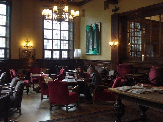Grand Hotel Terminus : salão confortável