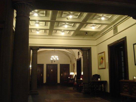 Grand Hotel Terminus: hall o hotel