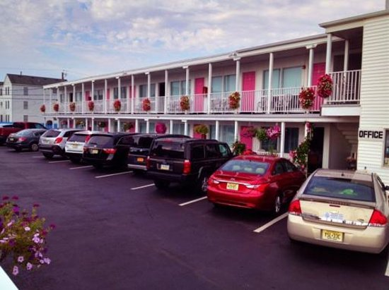 Seaside Colony Motel: As you arrive