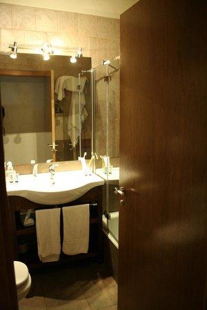 Hotel las Leyendas : quarto de banho/ bathroom 1