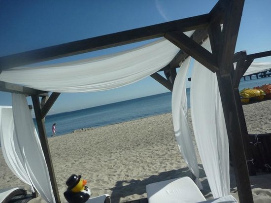Maritim Seehotel Timmendorfer Strand: the beach lounges give an almost mediterranean feel...