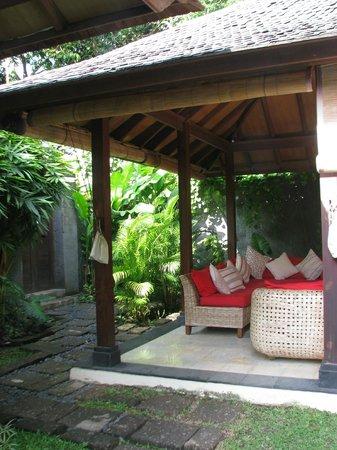 Mango Tree Villas: entree de la villa 2 chambres