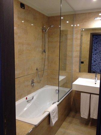 Klima Hotel Milano Fiere: Ванна