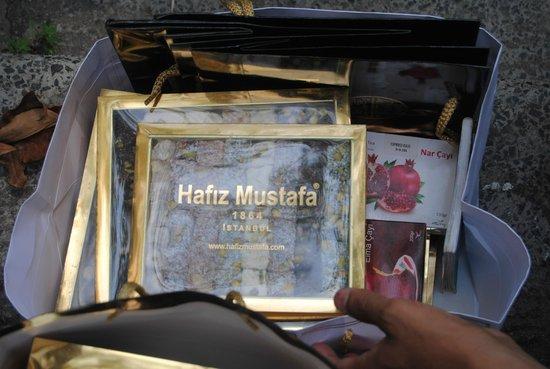 Gift lokum picture of hafiz mustafa 1864 sirkeci for Kunefe amsterdam