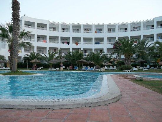 Hotel Dar El Olf: très belle piscine hôtel