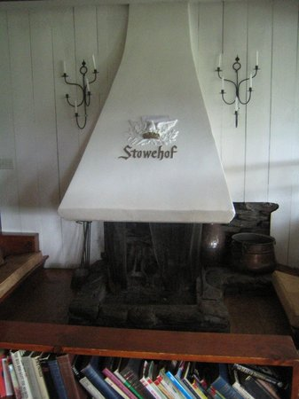 The Stowehof: Fireplace in Living Room