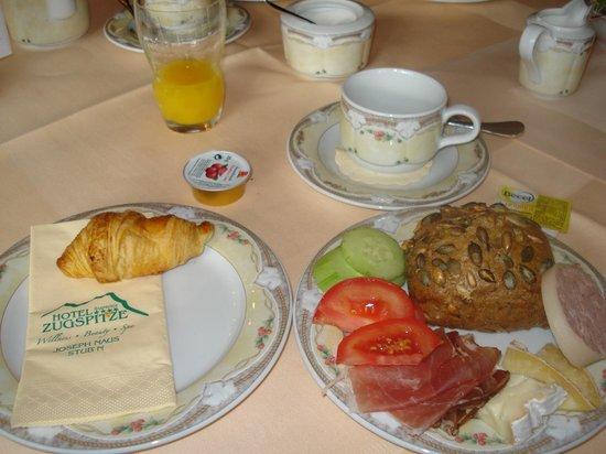 Hotel Zugspitze: Excelente café da manhã