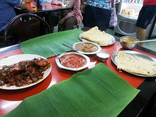 Sri Ananda Bahwan: Fish, Chicken and Lamb w/Naan served on banana leaf