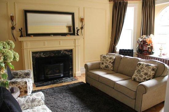 Jakobstettel Country Inn: living room