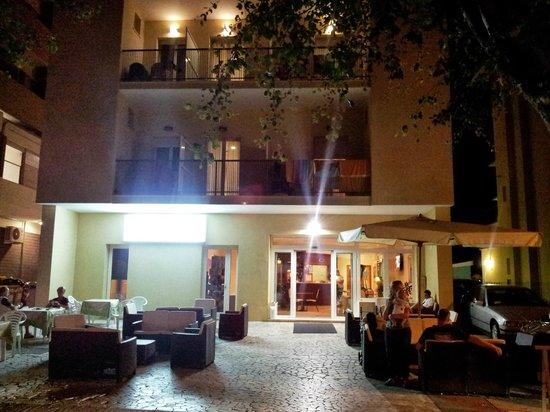 Hotel Ambasciatori: Parte esterna relax