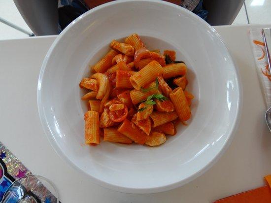 Bianco Bistro: Chicken Cacciatora with Rigatoni Pasta