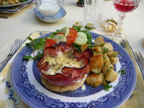 Blue Willow Guest House: Wonderful breakfasts