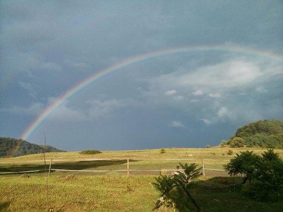 Cycling Romania : Rainbow at Prod