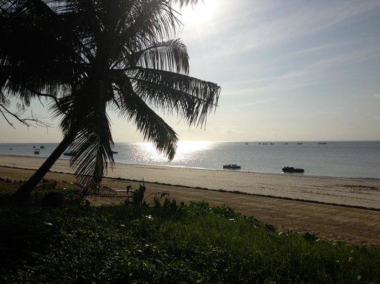 Sarova Whitesands Beach Resort & Spa: Early morning
