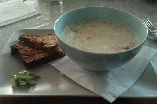 Cafe Lyspunktet: zuppa pesce